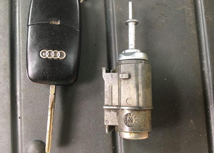 Audi А6 С5 ремонт замка