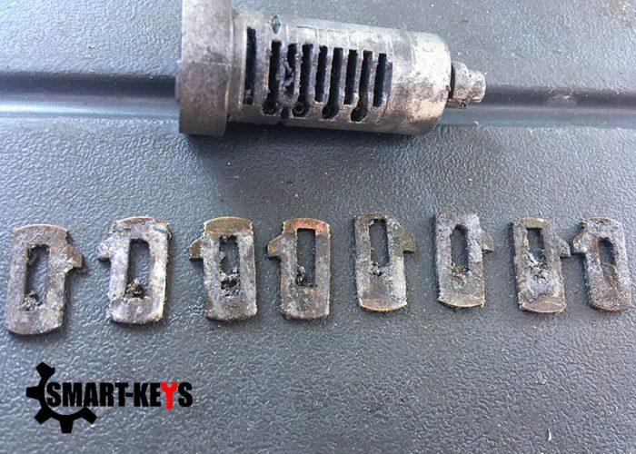 Ремонт механизма замка багажника Chevrolet Aveo